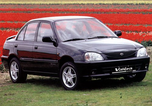 Daihatsu Valera Sedan Od 1996 do 2001