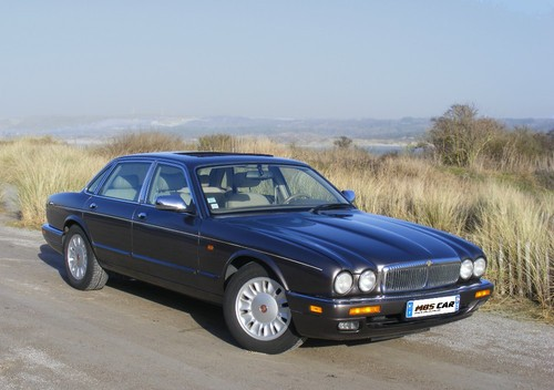 Daimler Six Sedan Od 1994 do 1997