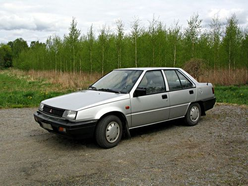 Mitsubishi Lancer Sedan Od 1984 do 1988