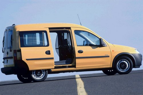 Opel Tour Mpv Od 2002 do 2004