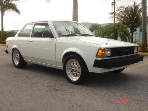 Toyota Corolla Sedan Od 1983 do 1992
